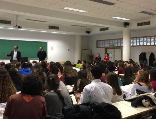 Alumnos de la Facultad de Farmacia de Sevilla se forman en SPD