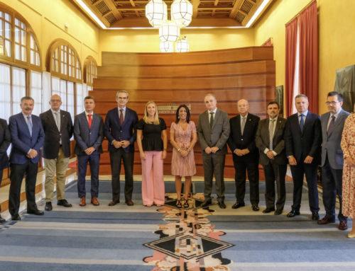 La presidenta del Parlamento de Andalucía recibe al CACOF con motivo del Día Mundial del Farmacéutico
